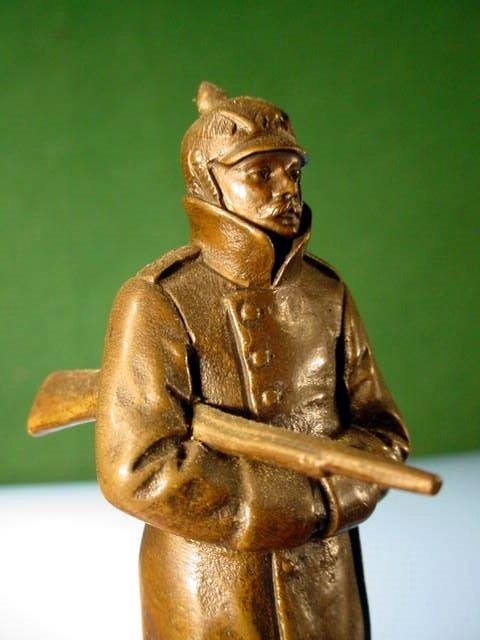 Bronze WW I Soldier